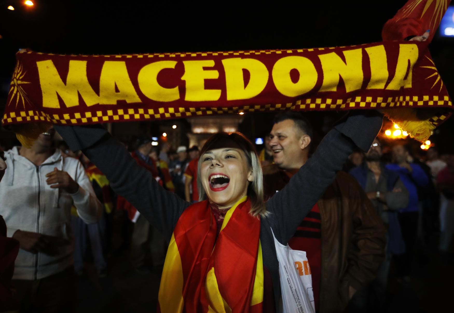 K makedonskému referendu přišlo jen necelých 40 procent voličů, takže je neplatné