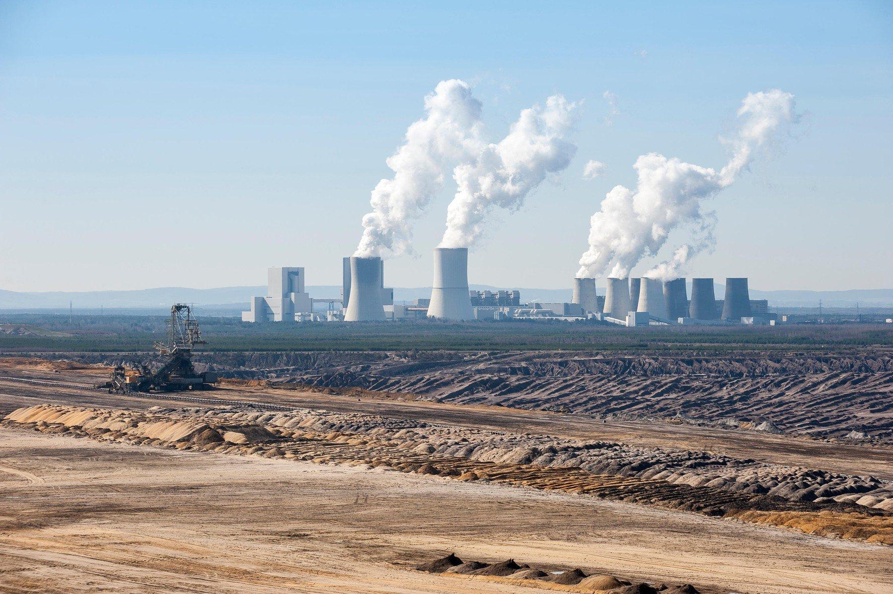Těžba uhlí a elektrárna Boxberg v okresu Görlitz, Sasko
