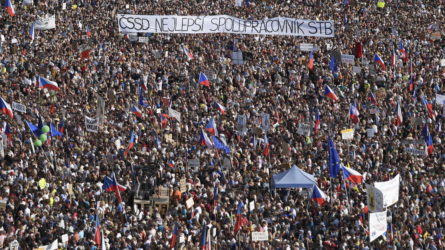 Demonstrace na Letné 23. června 2019
