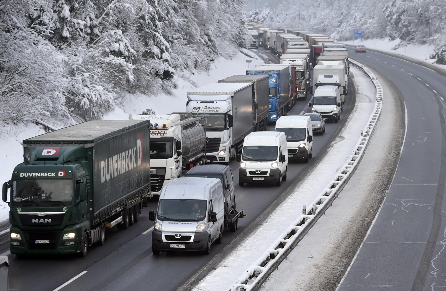 Kamiony blokovaly dálnici D1