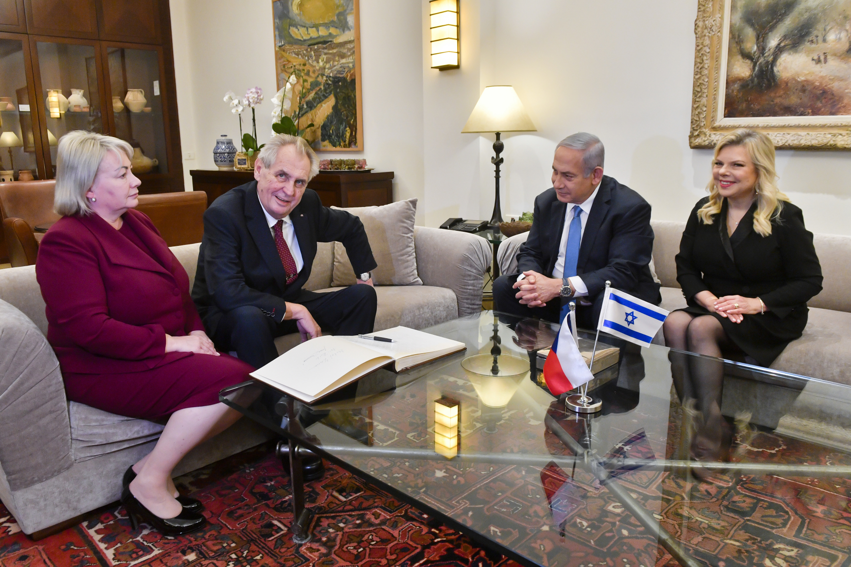 Prezident Miloš Zeman s manželkou Ivanou se v Jeruzalémě setkali s izraelským premiérem Benjaminem Netanjahuem a jeho chotí Sárou