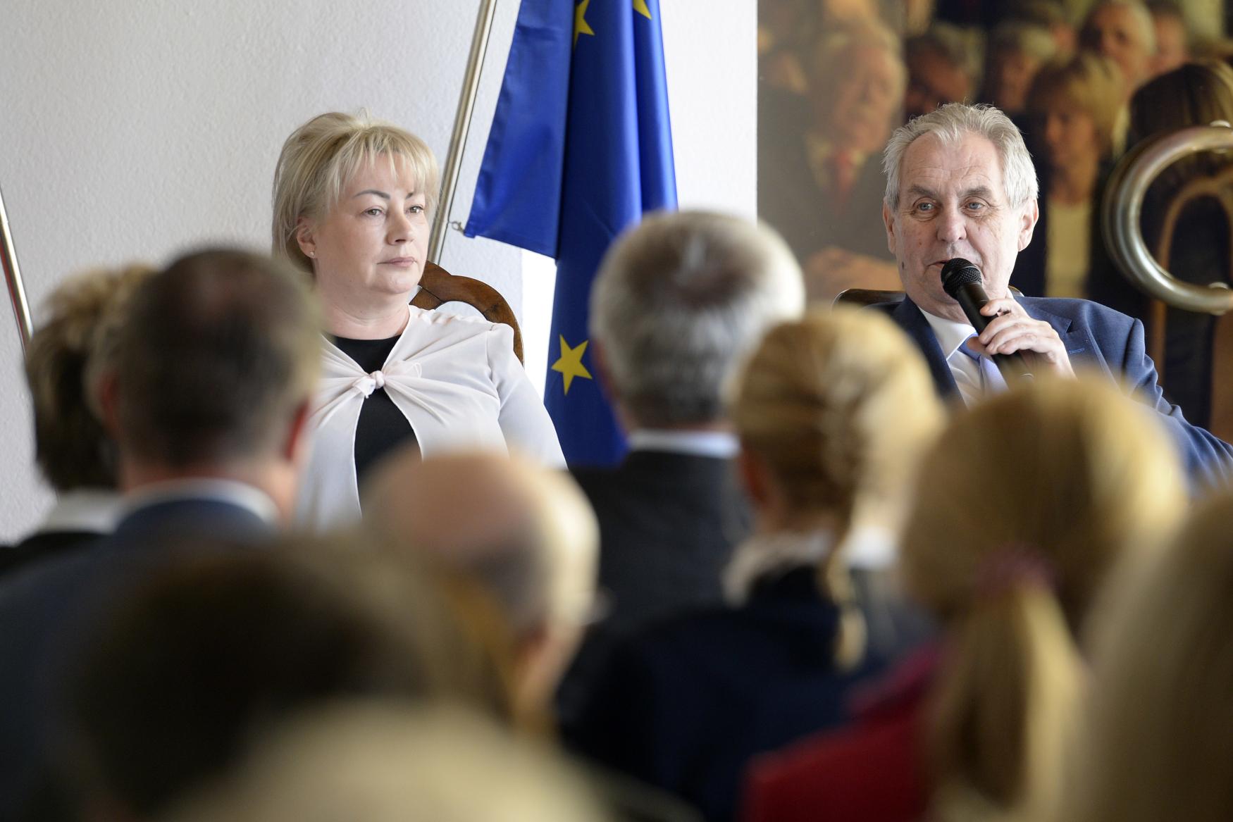 Prezident Miloš Zeman se s manželkou Ivanou setkal ve Vídni s krajany