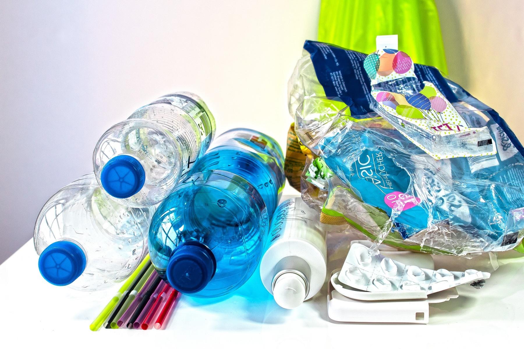 Zálohy na PET lahve by podle ekologa mohly pomoci recyklaci