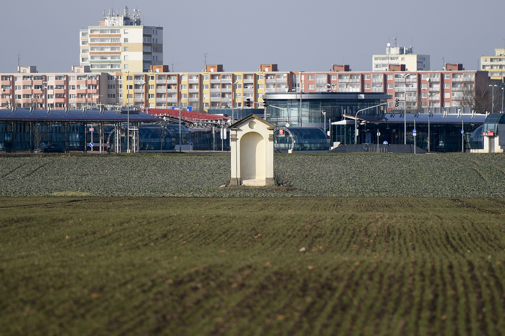 Pozemek v pražských Letňanech, který by chtěl premiér Babiš získat od Prahy a postavit na něm kanceláře pro státní úředníky