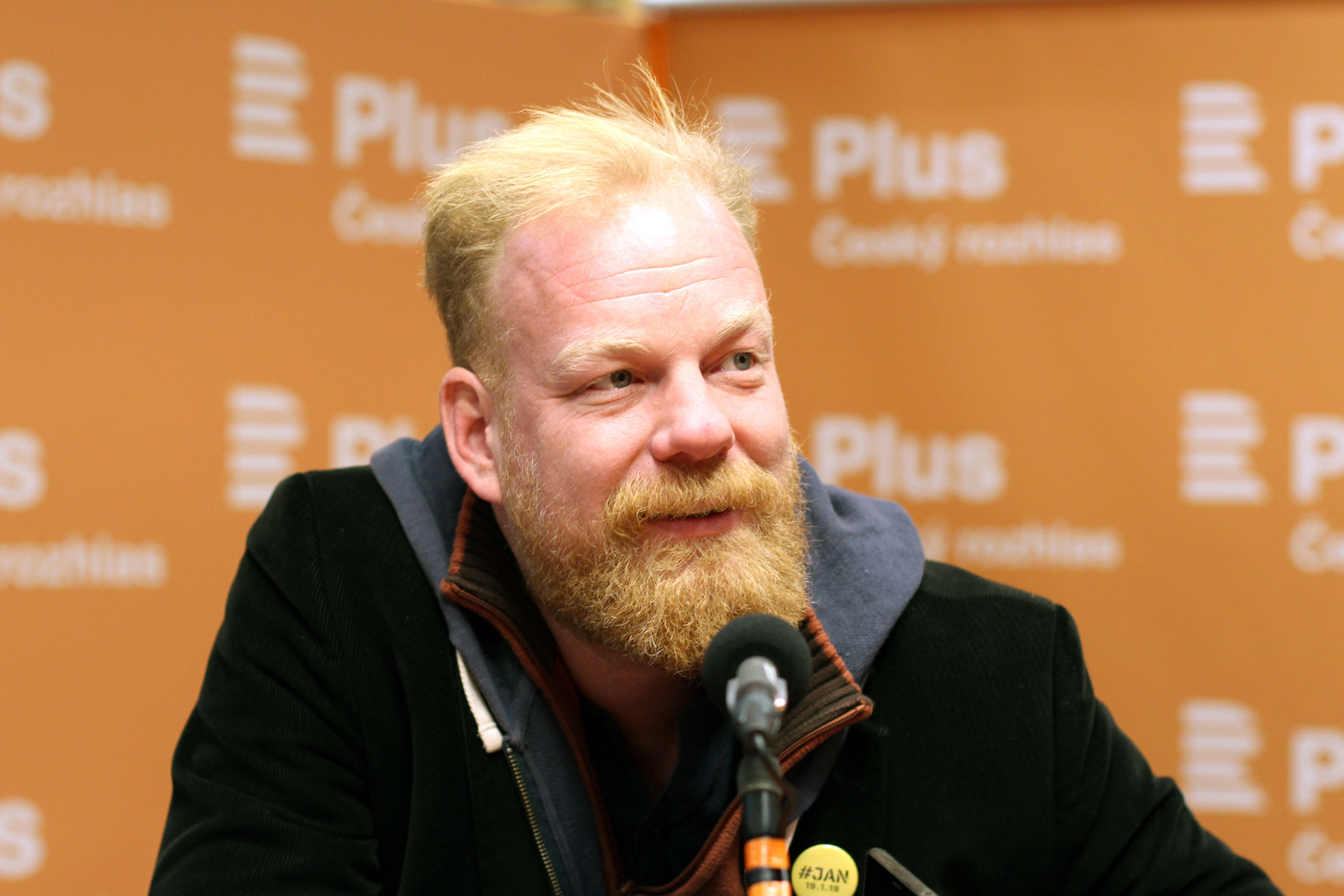 Ekonom Tomáš Sedláček ve studiu Radiožurnálu 2019
