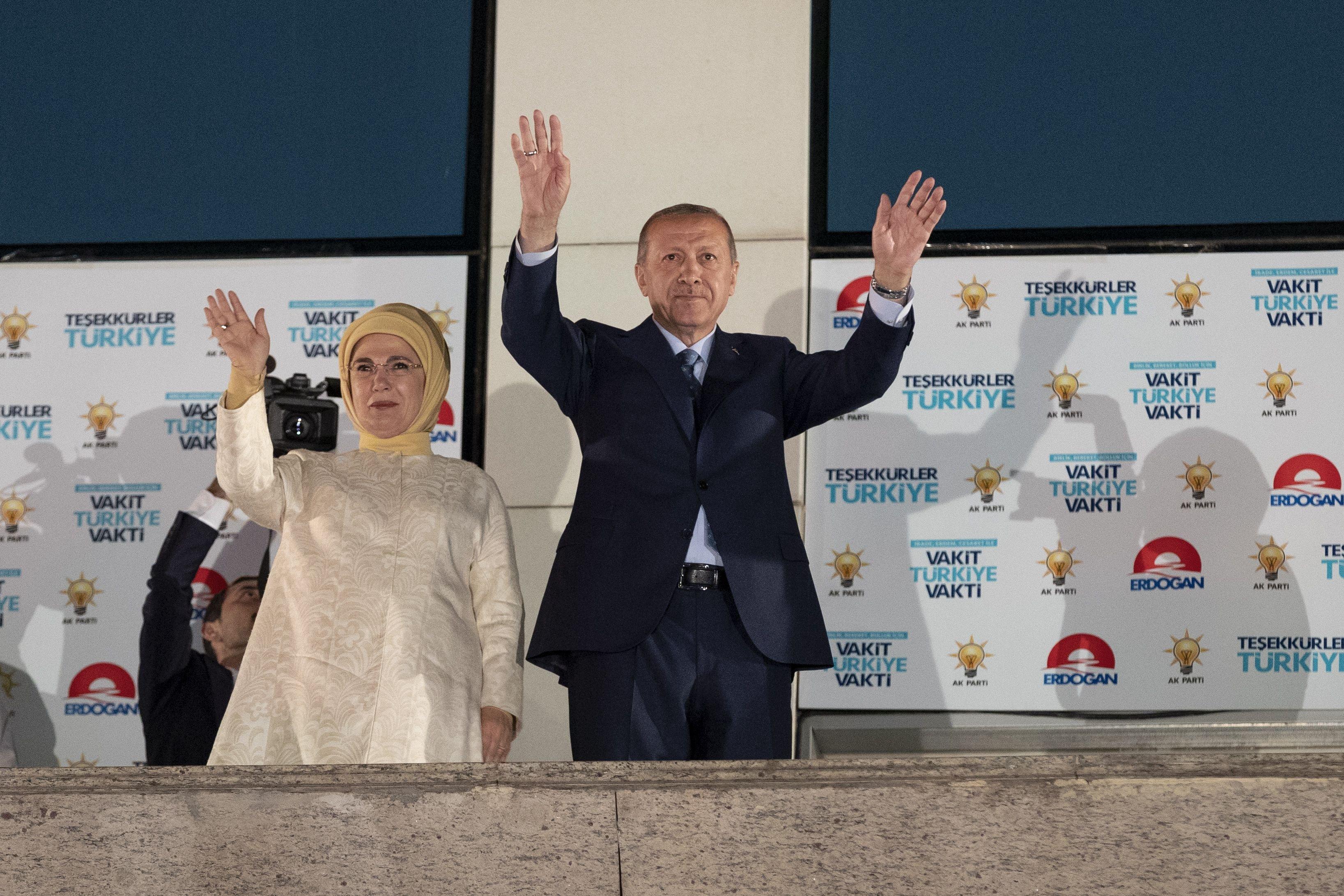 Recep Tayyip Erdogan oslavuje vítězství v prezidentských volbách