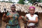 Ženy Mbuti v konžském Mabukulu