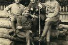František Krejčí (druhý zleva vpředu)