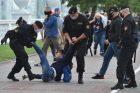 Na shromáždění příznivců opozice v Minsku zasahovala policie
