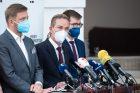 Vít Rakušan, Ivan Bartoš a Jakub Michálek na tiskové konferenci