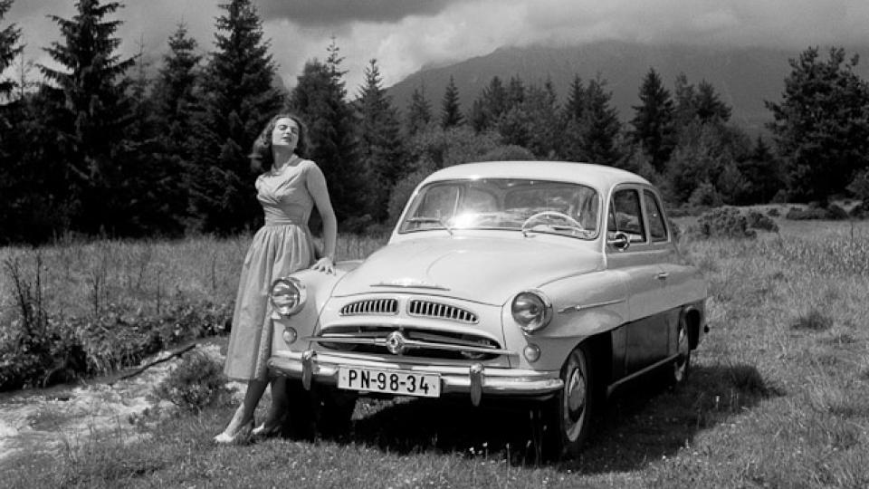 Škoda 440 (Spartak), 1955–1959. Reklamní fotografie Viléma Heckela z padesátých let