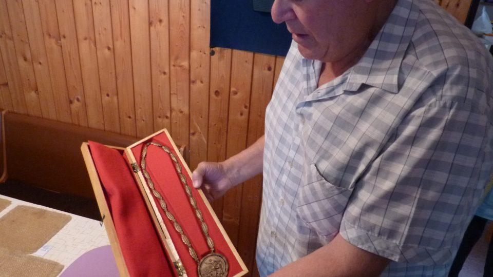 Bohumil Kubát s medailí