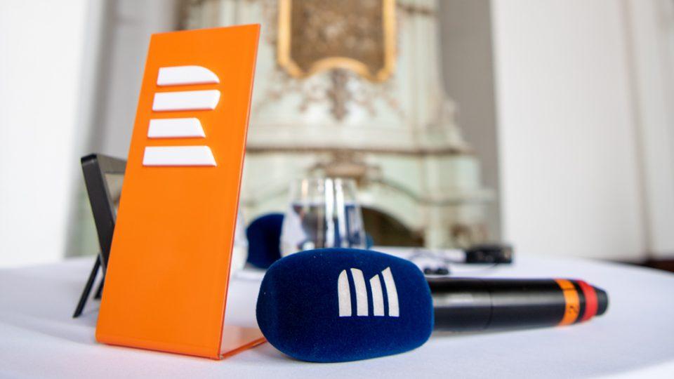 Poslouchejte Český rozhlas Plus, třeba vysílání ze zámku ve Žďáru nad Sázavou