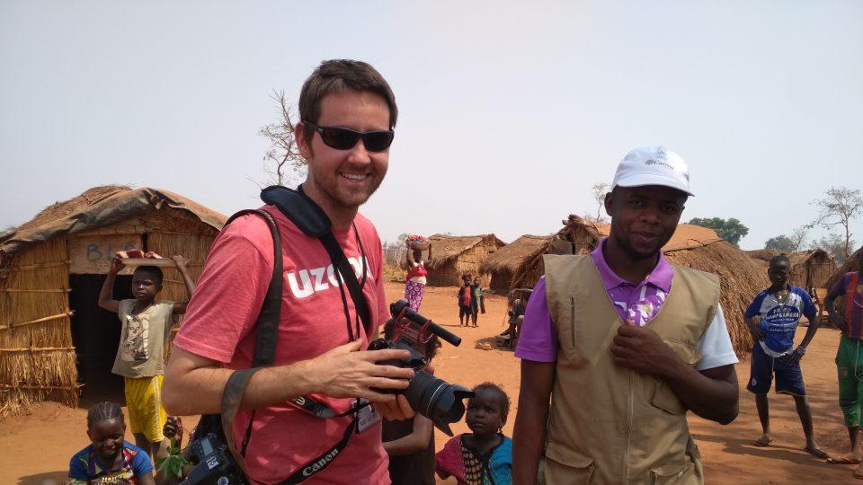 Jirka Pasz se do Afriky vrací po šesté. Chce zkoumat předsudky a stereotypy bílých, černých i své vlastní