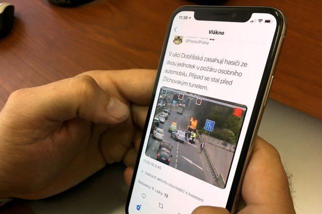 Mluvčí pražských hasičů mění na sociálních sítích komunikaci s veřejností