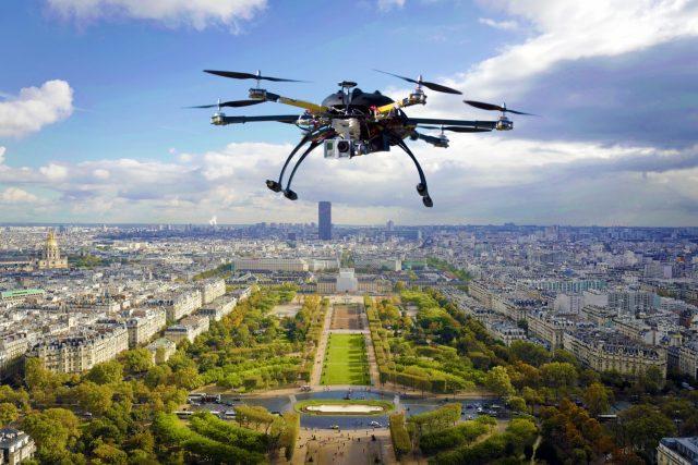 Dron | foto:  PublicDomainPictures,  CC0 1.0