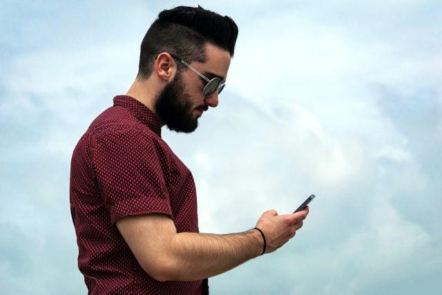 Chytrý telefon (ilustrační foto)