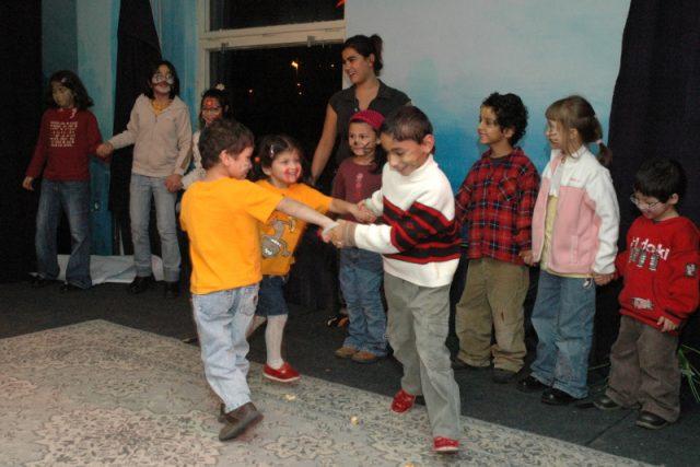 Děti při projektu Naše romské dítě