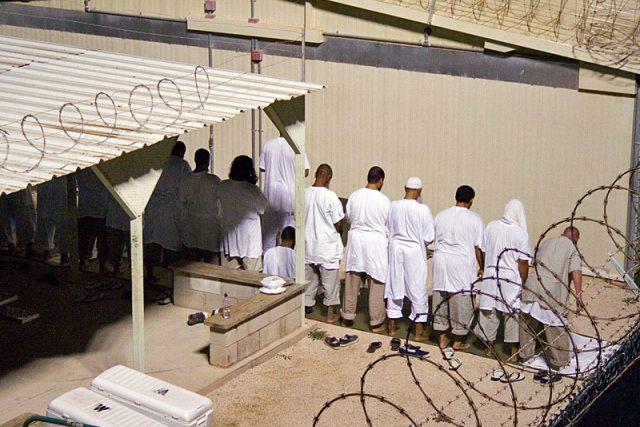 Společná modlitba vězňů