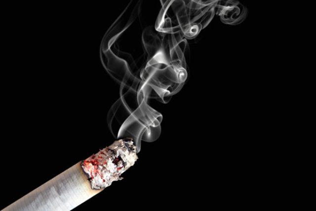 Zapálená cigareta | foto: Fotobanka stock.xchng