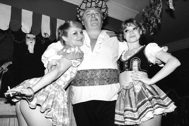 Jan Jindra: Silvestr v hotelu Jalta v Praze, 1982-84 (černobílá fotografie)
