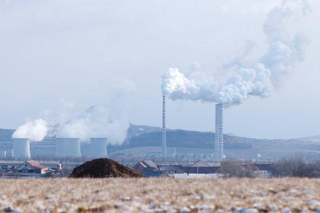 Průmyslová zóna Joseph leží na dohled od elektrárny Počerady.