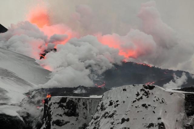 Výbuch islandské sopky Eyjafjallajökull na jaře 2010