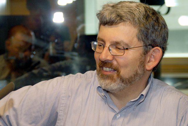 Jolyon Naegele mluvil o problémech české politiky