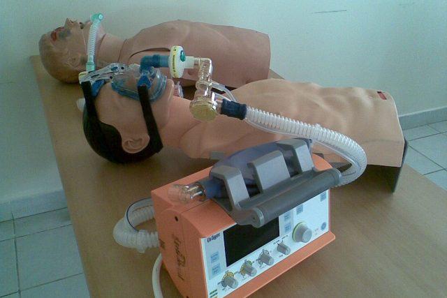 Přístroje pro umělou plicní ventilaci