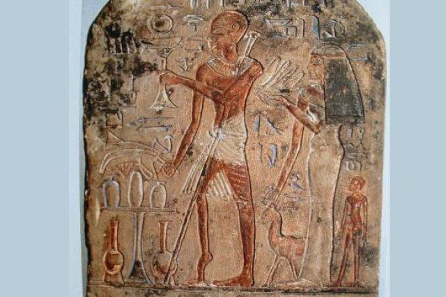 První vyobrazený případ obrny na egyptském reliéfu z roku 1300 př. n. l.