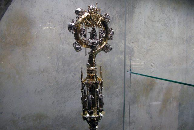 Berla velmistra řádu Křižovníků s červenou hvězdou se sv. Anežkou, sv. Františkem, sv. Jakubem Větším a sv. Augustýnem