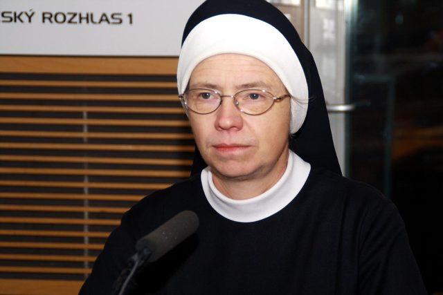 Angelika Pintířová se zúčastnila včerejšího smutečního průvodu