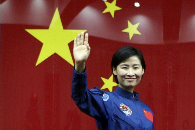 První čínská kosmonautka Liou Jang