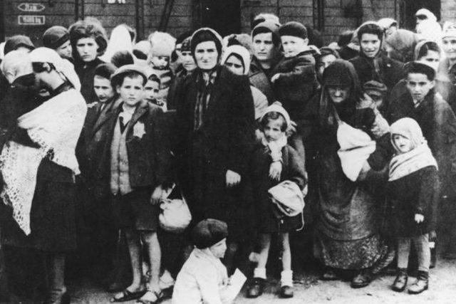 Osvětim: příjezd maďarských Židů v roce 1944
