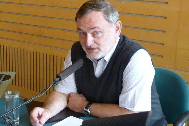 Ombudsman Pavel Varvařovský ve studiu Českého rozhlasu Brno