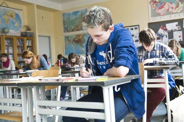 Začíná první kolo přijímacích zkoušek na střední školy
