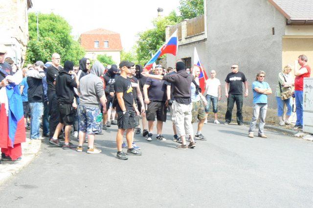 Střet policie se sympatizanty Dělnické strany sociální spravedlnosti v Duchcově  (archiv,  2013) | foto: Gabriela Hauptvogelová,  Český rozhlas