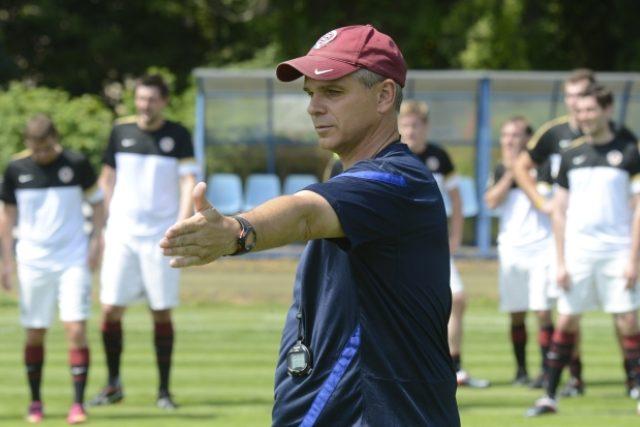 Trenér fotbalové Sparty Praha Vítězslav Lavička (na snímku) vedl 9. července v Praze speciální trénink pro novináře