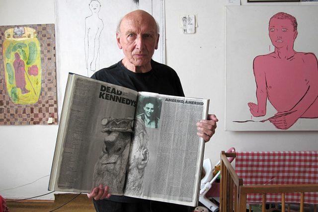 Jiří Černý s časopisem Rock & Pop