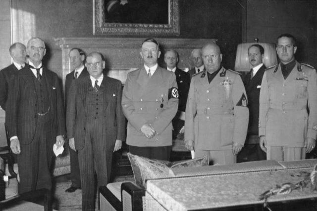 Mnichovská dohoda  (Bundesarchiv,  Bild 183-R69173 / CC-BY-SA) | foto:  Bundesarchiv