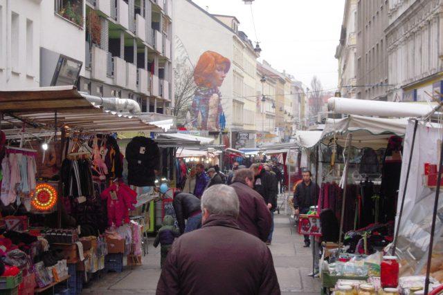 Trh Brunnenmarkt - dominanta obvodu Ottakring, kterou vyhledávají i obyvatelé ostatních čtvrtí