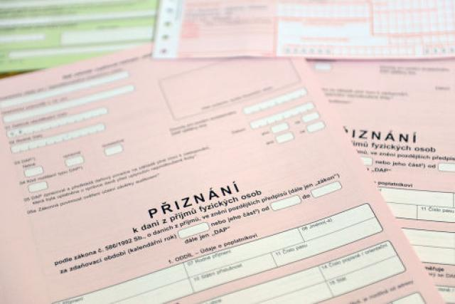 Daňové přiznání | foto: Filip Jandourek