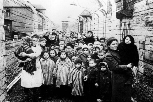 Děti osvobozené z Osvětimi