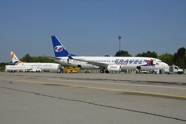 Nakládání zavazadel na letišti Pardubice