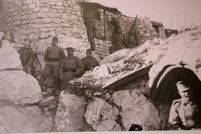Tytéž hory byly od roku 1915 místem bojů a strategicky výhodným terénem pro rakousko-uherskou armádu,  která se bránila armádě italské   foto: Bronislava Janečková