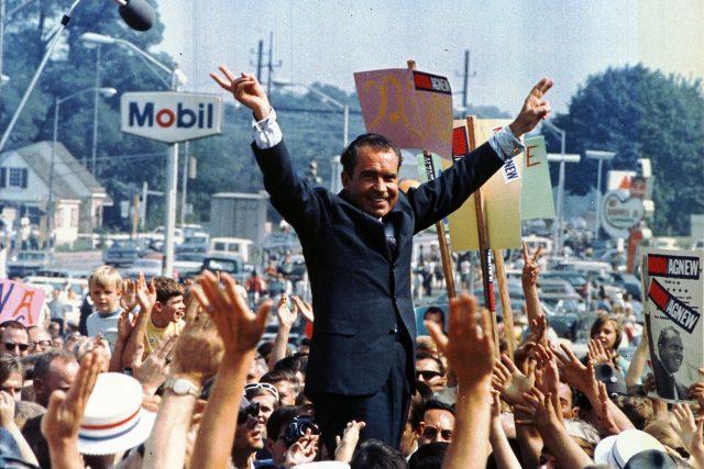 Richard Nixon při své prezidentské kampani v červenci 1968