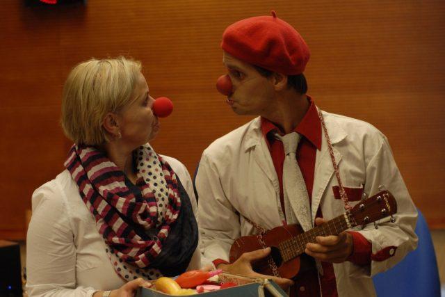 Martin Dobíšek, zdravotní klaun a herec s moderátorkou Tamarou Peckovou