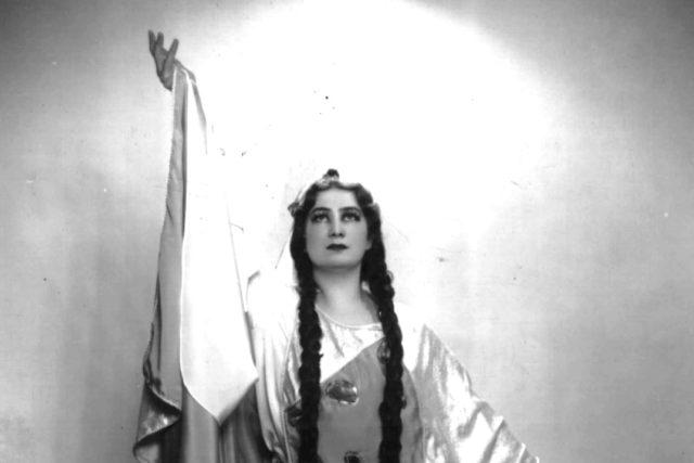 M.Podvalová jako kněžna Libuše
