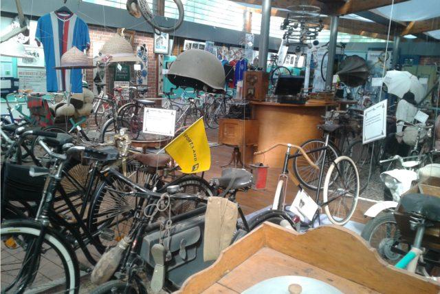 V břeclavském Muzeu kol je na osm desítek různých bicyklů