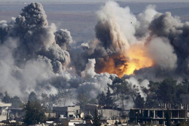 Syrské město Kobani po úderu amerického letectva. 18. 10. 2014